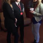 Nathalie ducharme et claude steben en entrevue avec la journaliste isabelle beaudoin de RNC médias pour parler du documentaire TOUJOURS ARTISTE en première mondiale au 34e festival du cinéma international en abitibi témiscamingue