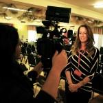 nathalie ducharme réalisatrice et productrice de TOUJOURS ARTISTE en entrevue avec tvc9 lors du 34e festival du cinéma international en abitibi témiscamingue